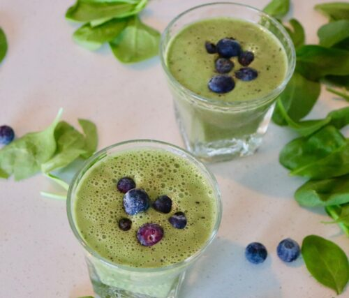 Must Try: Green Spinach Blueberry Smoothie Recipe!